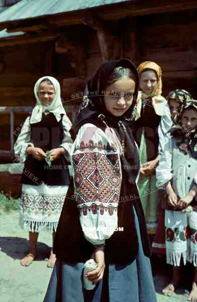 http://www.pixpast.com/static2/preview2/stock-photo-farming-children-in-poltava-ukraine-1941-wearing-traditional-local-costume-12670.jpg