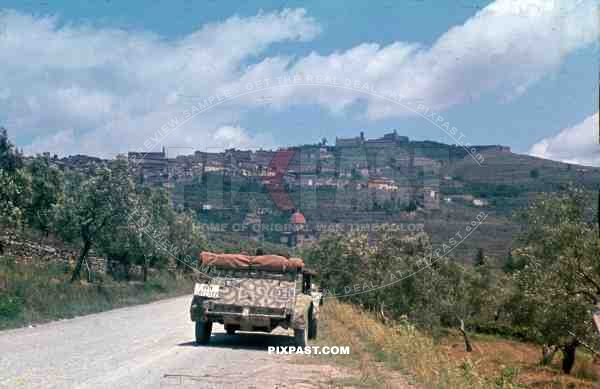 German VW Kübelwagen 82 Jeep in Tropical Camo Paint, Tuscany, Italy, 1944,  26th Panzer Divisions